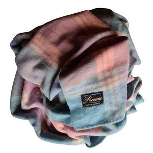 Vintage LACONIA 100% Pure Lambs' Wool Warm Blanket